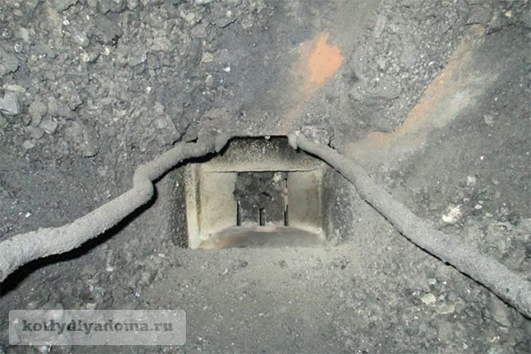 Топливный бункер отопительного котла на угле «Барин»