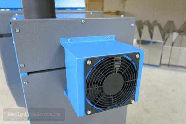 Дымовой вентилятор в котле отопления «Пеллетрон»