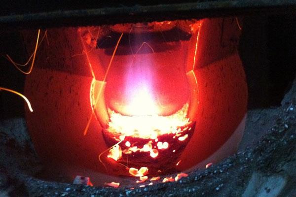 Процесс сжигания газов при высокой температуре