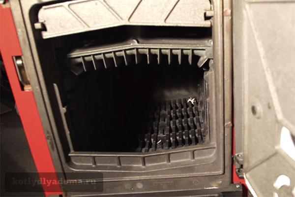 Топка напольного котла на твердом топливе «Бобер»