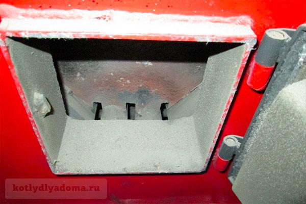 Топка для сжигания угля в автоматическом котле «Барин»